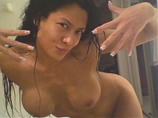 SekushiLover - Rank These Nude WWE Diva Selfies