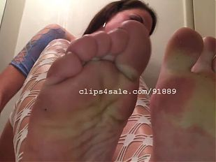 Foot Fetish - Bella's Feet