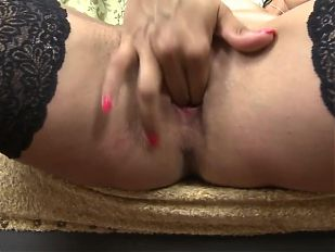 Hot MILF Sofie feeding her hungry vagina