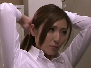 Asian mom Yuna Shiina is fucking hard at workplace