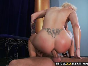 Brazzers - Big Wet Butts -  Laying the Smack Down on Candys