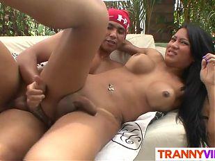 Tranny Grazieli Likes Hard Dicks