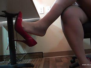 Nishay Office Table Shoeplay and Footplay