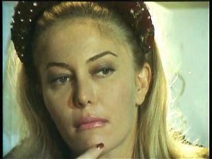 Moana Pozzi DP scene -  Oltre i confini del sesso (1992)