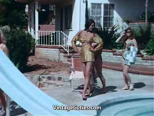 Spectacular Babes Posing Fully Naked (1960s Vintage)