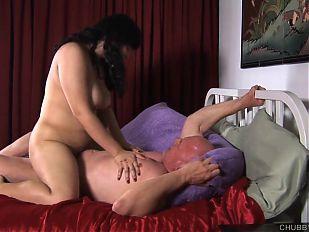 Kinky chubby brunette loves hard fucks & a facial cumshot